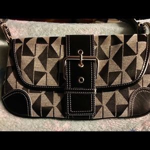 NEW Kenneth Cole shoulder bag